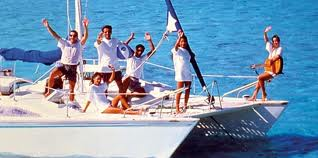 Unforgettable excursion combining a great cruising experience on a luxury Catamaran and free time to enjoy the beautiful Gabriel Island